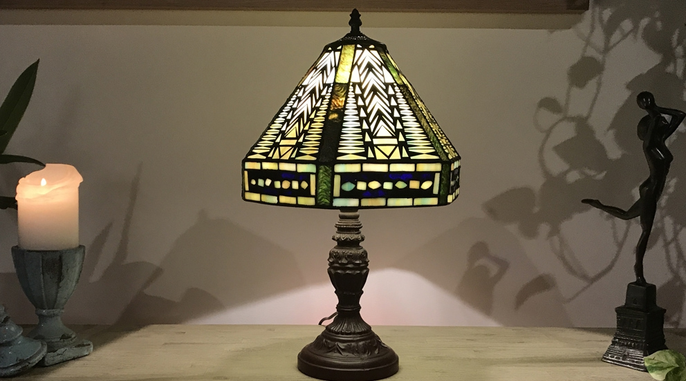 Grande lampe Tiffany  Terres lointaines